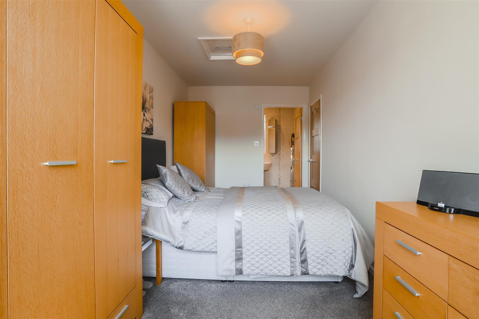 4 Bedroom Semi-detached House For Sale - Image 32